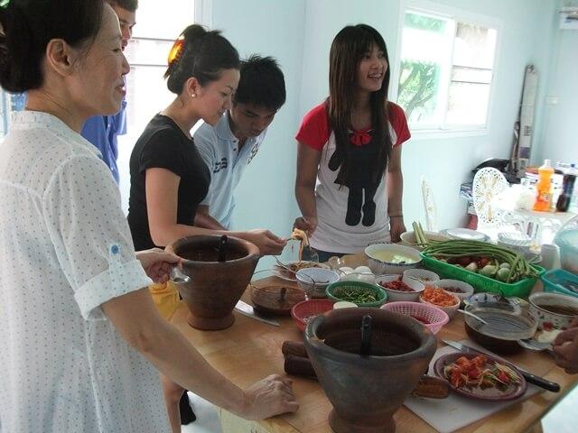 สอนทำอาหารอีสาน