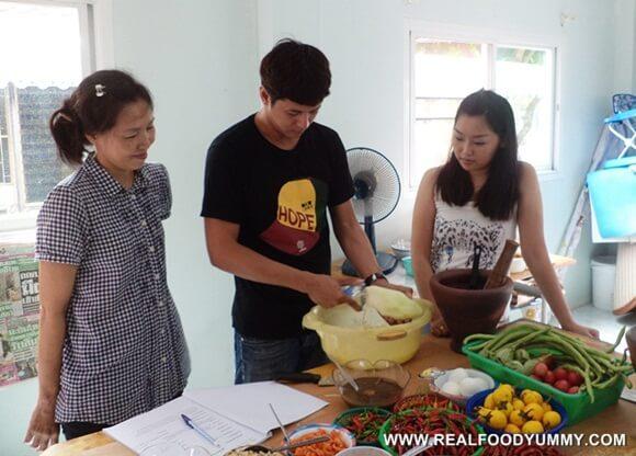 โรงเรียนสอนทำอาหาร อีสาน